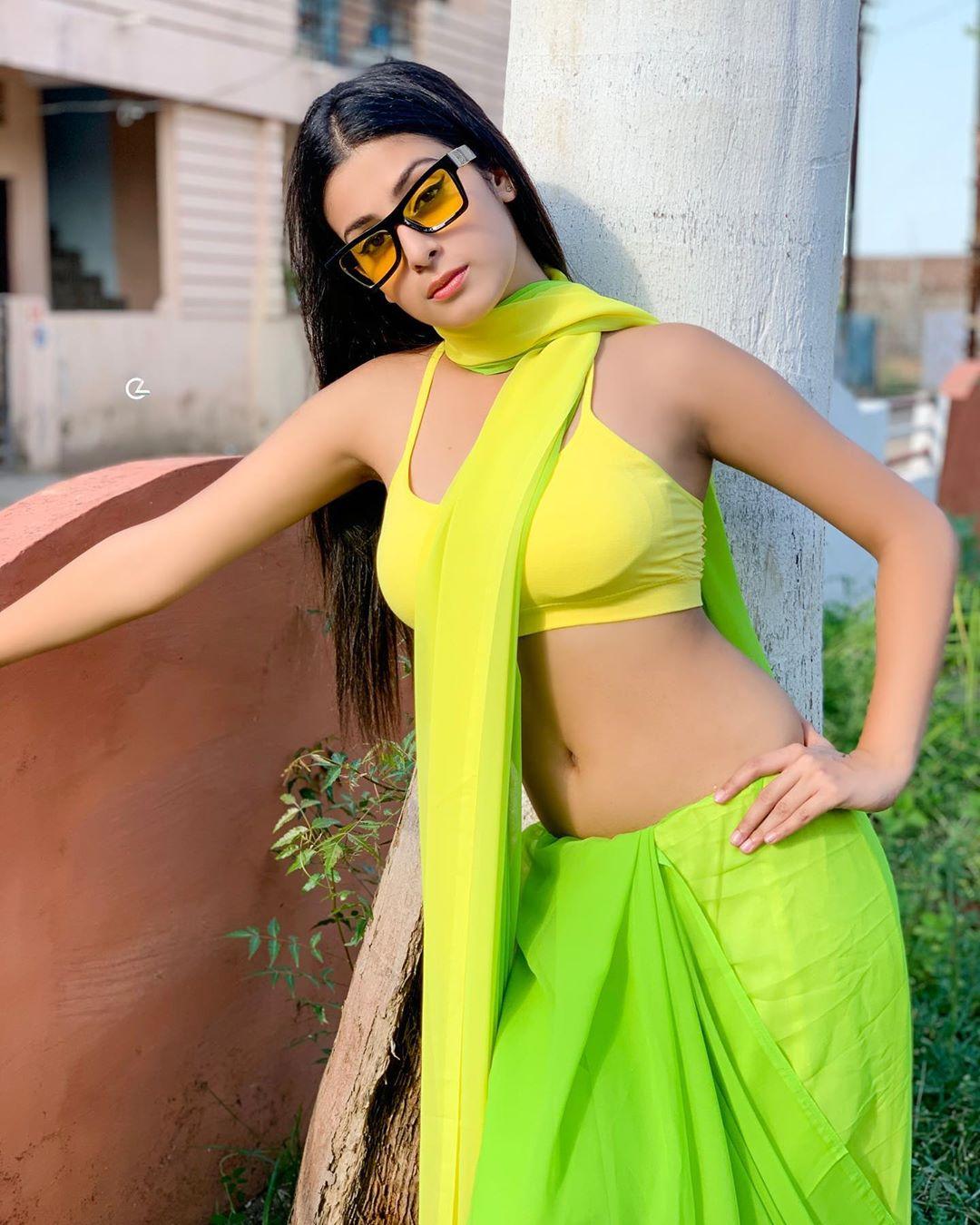 Desi Girl in Light Green Saree Looks Hot