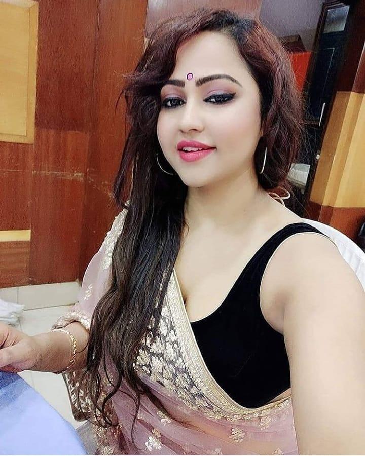 Bengali Beautiful Girl Shows Look Hot Photo