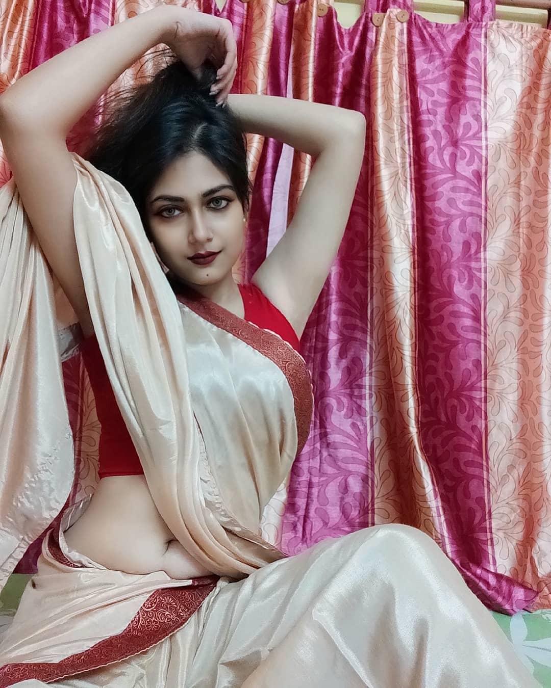 Bengali  Girls Look Sexy in Saree | Saree Girls