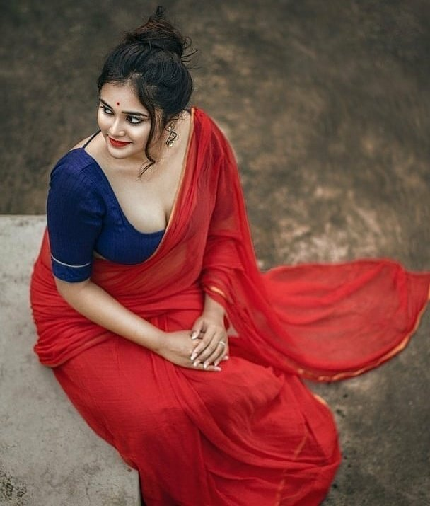 Cute Bengali Girl in Red Saree | Pretty Bengali Girl