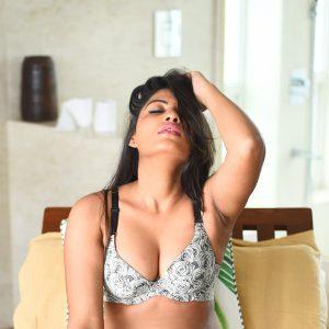Tamil Girl Looks Hot in Bikini | Tamil Girl Bikini Photos